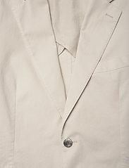 Oscar Jacobson - Egel Patch Blazer - single breasted blazers - ecru - 2