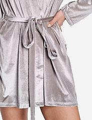 OW Intimates - KATRINA Short Robe - pegnoirs - grey - 4
