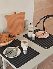 OYOY Living Design - Egg People - Man - munakupit - white / black - 2