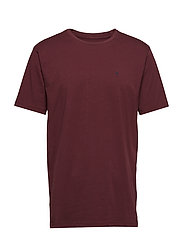 T-shirt - WINERED