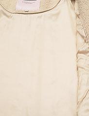 Part Two - HildePW OTW - faux fur - parchment - 4