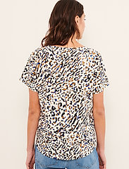 Part Two - GesinaPW TS - kortærmede bluser - abstract leo print, blue - 4