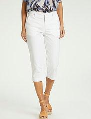 Part Two - SoffiePW PA - pantalons capri - bright white - 0