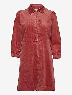 EyvorPW DR - robes en maille - faded rose
