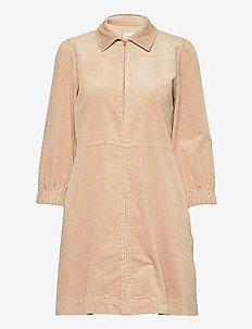 EyvorPW DR - krótkie sukienki - soft sand