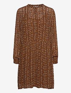TaniaPW DR - midi kjoler - dot print, hazel brown