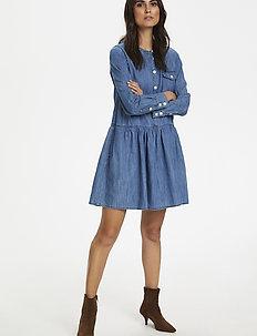 Beata DR - robes en jeans - light blue denim