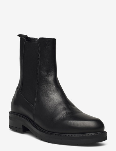 Jemma Long - chelsea boots - black garda