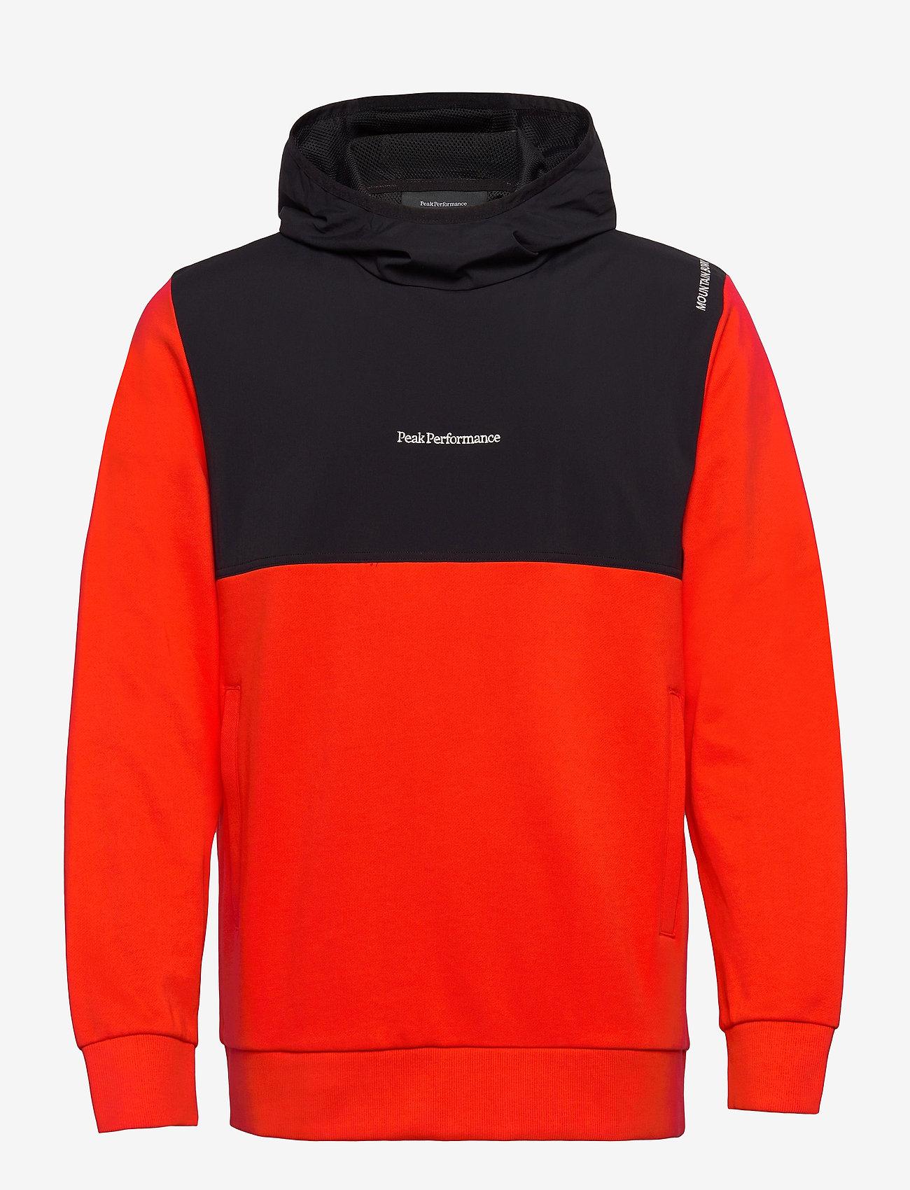 Peak Performance - M Stowaway Hood - hoodies - super nova   black - 0