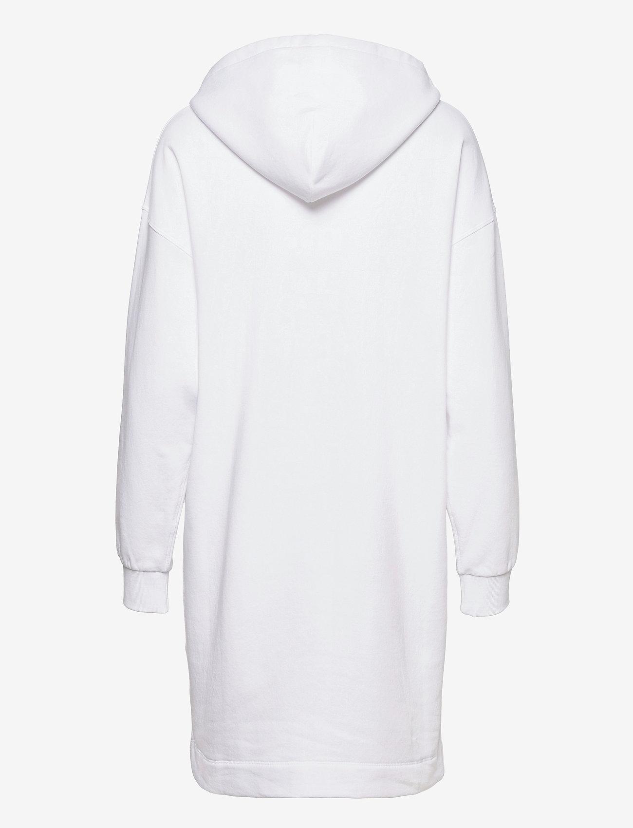 Peak Performance - W Ground Hood Dress - vapaa-ajan mekot - white - 1