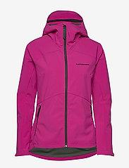 Peak Performance - W Adventure Hood Jacket - softshell-jackor - wander - 1