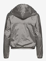Peak Performance - W Windbreaker - training jackets - antarctica - 1