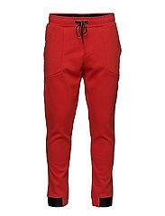 TECH P - POPPY RED