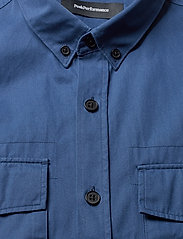 Peak Performance - DEAN MILIS - denim overhemden - decent blue - 2