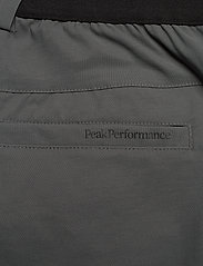 Peak Performance - Player Pant Men - spodnie do golfa - deep earth - 4