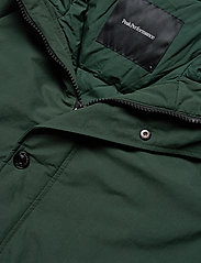 Peak Performance - TYPHON J - insulated jackets - scarab green - 4