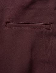 Peak Performance - W Hilltop Cropped Pant - golf-housut - mahogany - 4