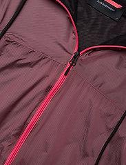 Peak Performance - W Windbreaker - training jackets - alpine flower - 2