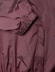 Peak Performance - W Windbreaker - training jackets - alpine flower - 3