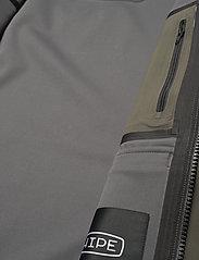 Peak Performance - M Softshell Field Jacket - ulkoilu- & sadetakit - black olive   deep earth - 6