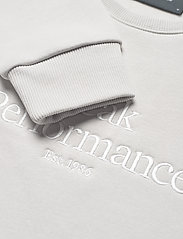 Peak Performance - W Original Crew - svetarit - antarctica - 2