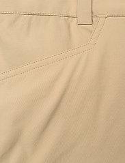 Peak Performance - M Iconiq Cargo shorts - wandel korte broek - true beige - 2