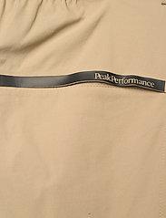 Peak Performance - M Iconiq Zip Off Pant - pantalon de randonnée - true beige - 5