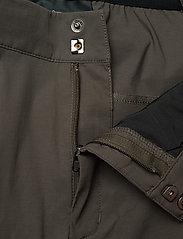 Peak Performance - M Iconiq Long Shorts - spodenki turystyczne - black olive - 3