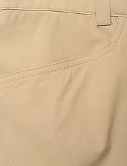 Peak Performance - M Iconiq Long Shorts - wandel korte broek - true beige - 2