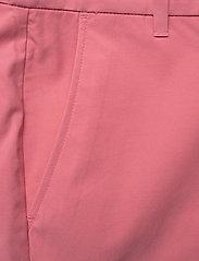 Peak Performance - W Illusion Shorts - wandel korte broek - alpine flower - 2