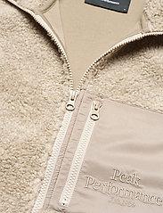 Peak Performance - M Original Pile Vest - sports jackets - celsian beige - 2