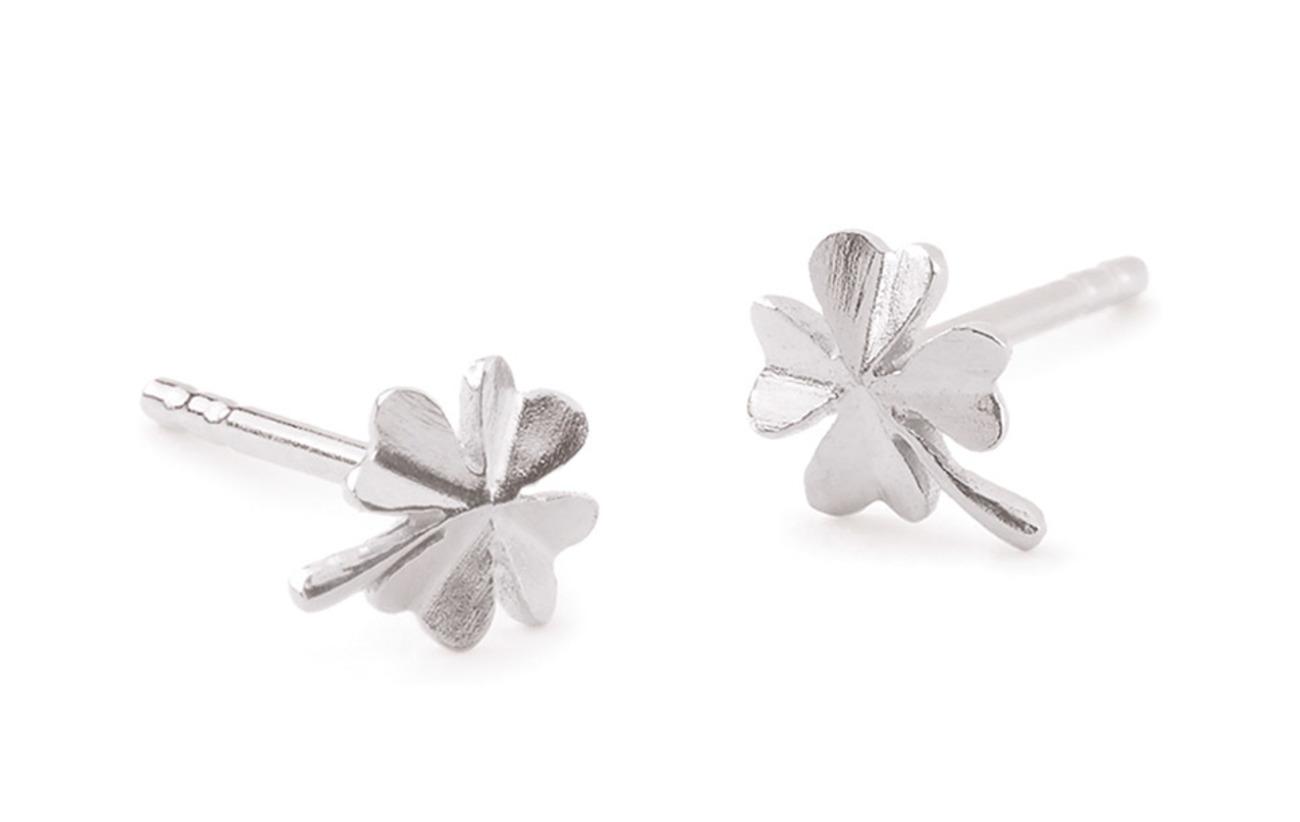 Pernille Corydon Clover Earsticks size 6 mm - SILVER