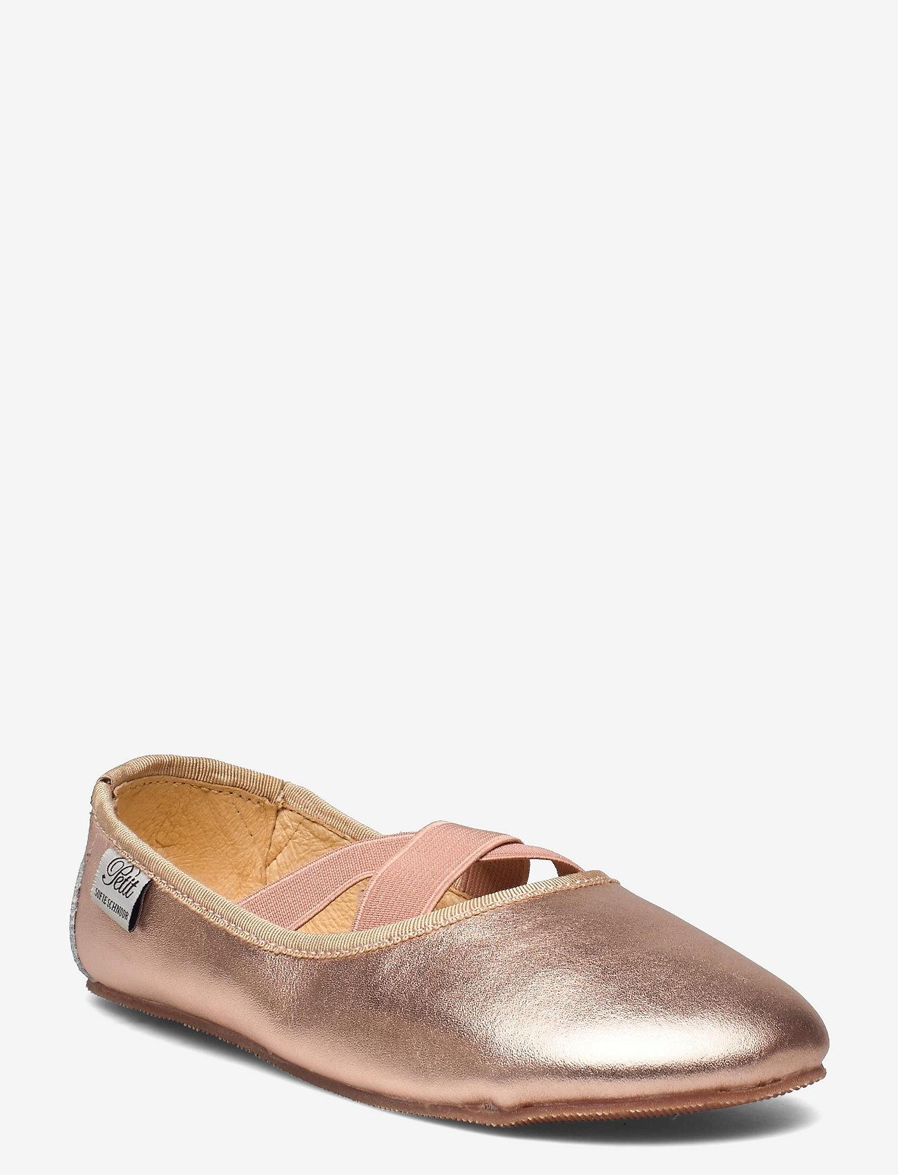 Indoors shoe