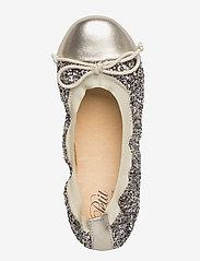 Petit by Sofie Schnoor - glitter ballerina - ballerinaer og slip-ons - mixed gold and champagne - 3
