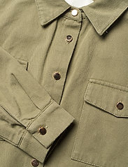 Petit by Sofie Schnoor - Blouse - shirts - army green - 2