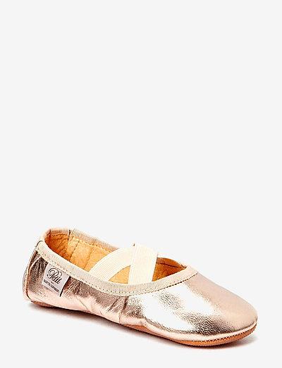 Indoor shoe - hausschuhe - peach