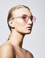 Pilgrim - Sunglasses Pine - rond model - pink - 2