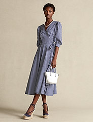 Polo Ralph Lauren - Cotton Gingham Wrap Dress - sommerkjoler - 886 blue/white pl - 0