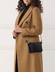 Polo Ralph Lauren - CROC EMBOSSED LTHR-SLOANE XBDY-CXB- - shoulder bags - black - 0