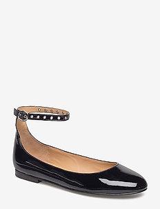 Kinsley Leather Ballet Flat - BLACK