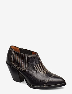Lowrey Leather Bootie - BLACK
