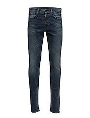 Eldridge Performance Skinny Jean