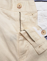 Polo Ralph Lauren - Classic Fit Twill Short - chinos shorts - andover cream - 3
