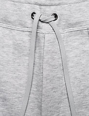 Polo Ralph Lauren - 7.5-Inch Logo Double-Knit Short - casual shorts - lt smoke heather - 3