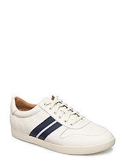 Camilo Leather Sneaker