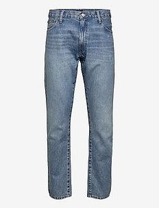 Sullivan Slim Faded Jean - slim jeans - liem wash