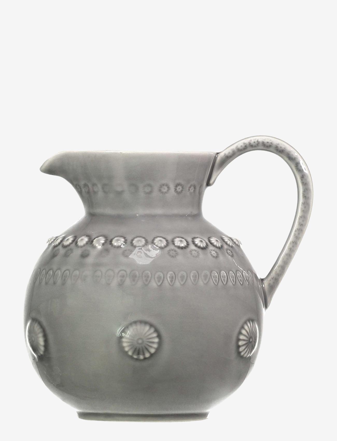 PotteryJo - DAISY Jug Large 1.8L - kannut & karahvit - soft grey - 0