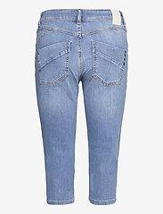 Pulz Jeans - PZEMMA Capri Skinny - pantalons capri - light blue denim - 1