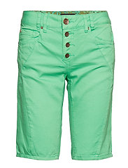 Rosita shorts - LEAF GREEN