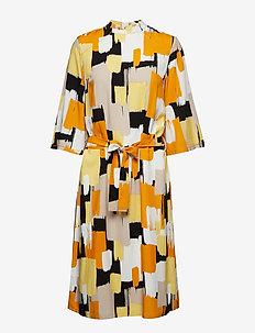 Alberte 3/4 Sl. Dress - GOLDEN HONEY